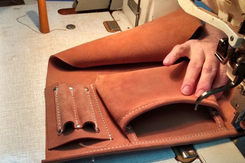 Podstawowym materiałem na kieszenie pasów jest skóra bydlęca welurowa